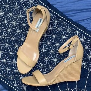 Steve Madden ankle strap nude wedges leather 10